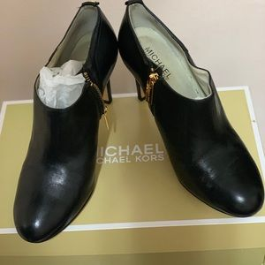 Michael Kors Ankle boots with original box